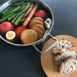 8.23まるごとトマトの夏おでん 自家発酵種のライ麦パン