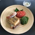 7.26メカジキオイル煮の米粉パンサンド 焼き野菜サラダ